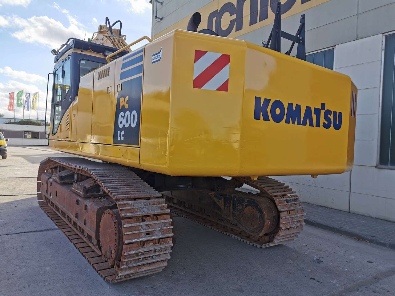 KOMATSU PC 600 LC-8 - 07