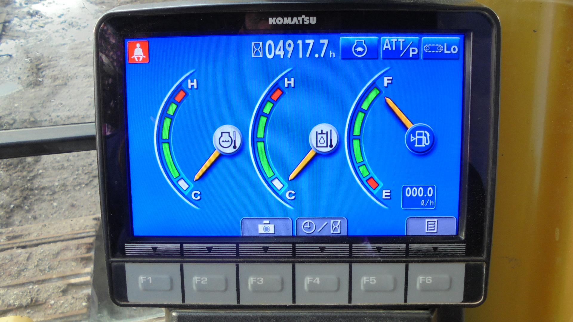 KOMATSU PC 210LCI-10 - 09