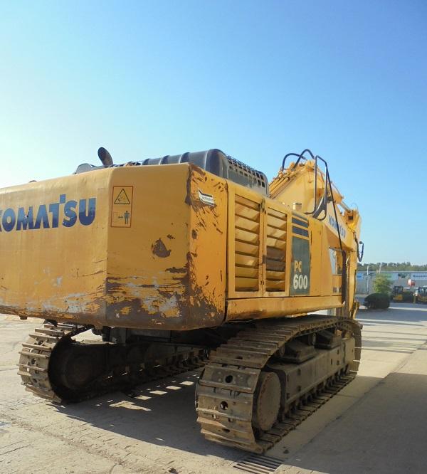 KOMATSU PC 600-8 - 05