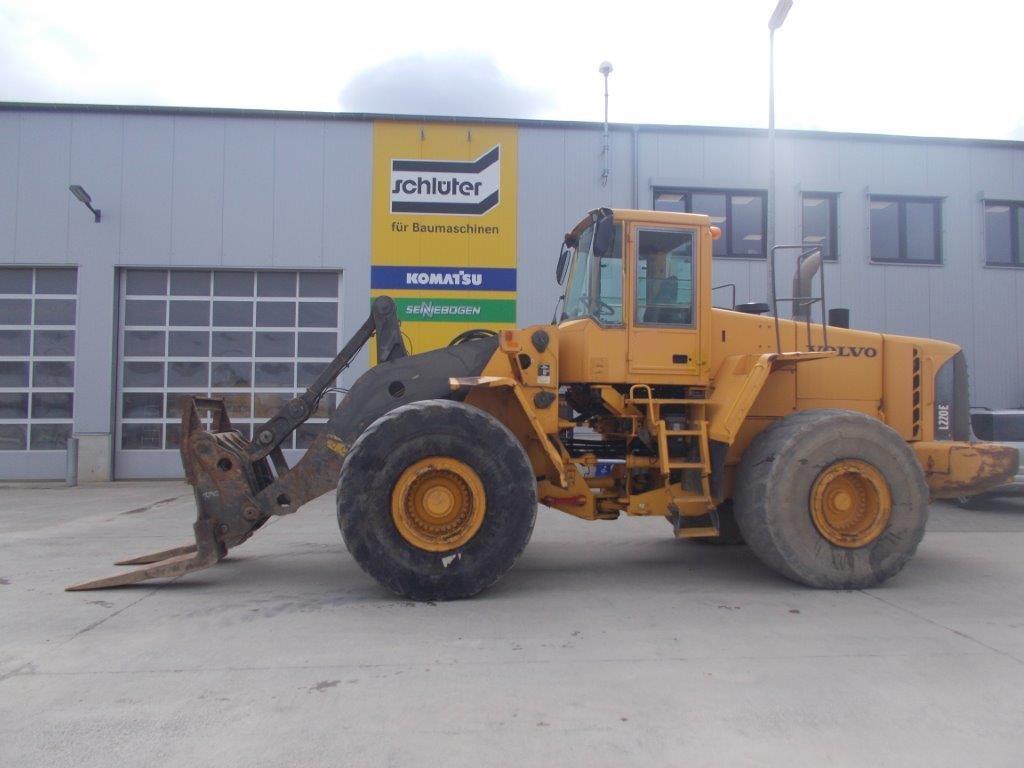 VOLVO L 220 E - 01
