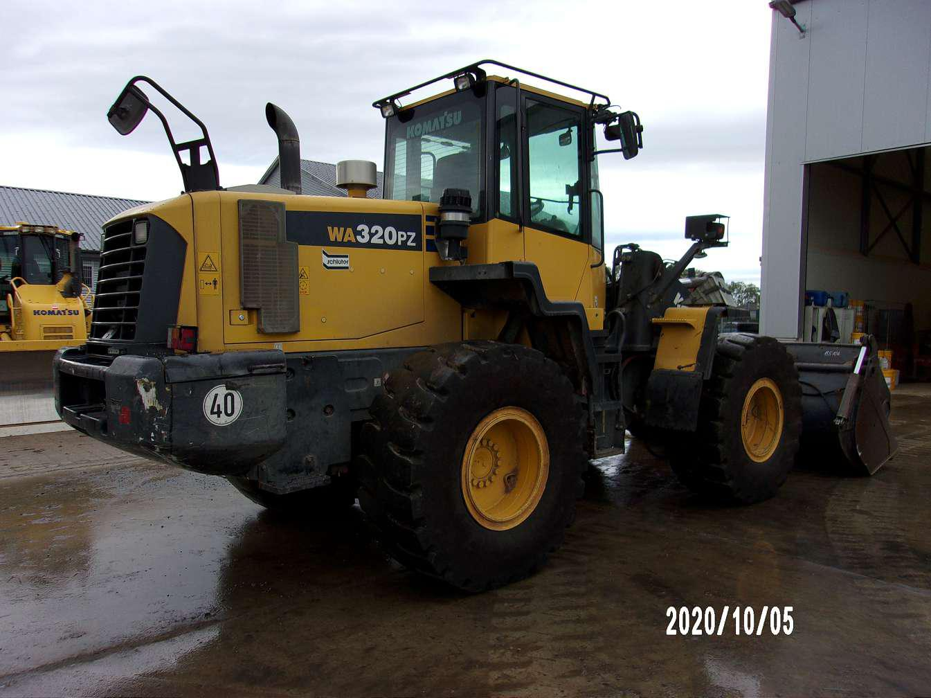 KOMATSU WA 320 PZ-6 - 05