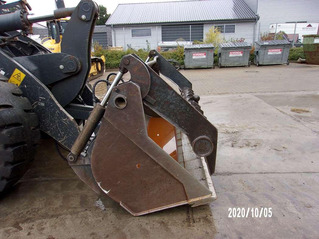 KOMATSU WA 320 PZ-6 - 09