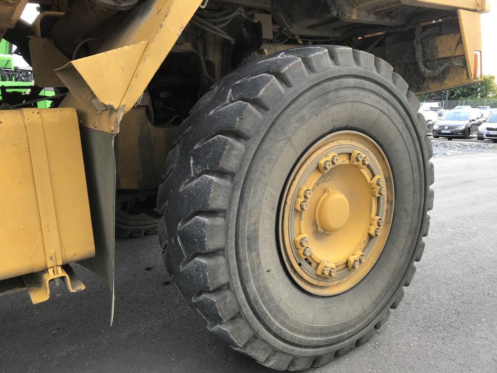 KOMATSU HD 605-5A - 14