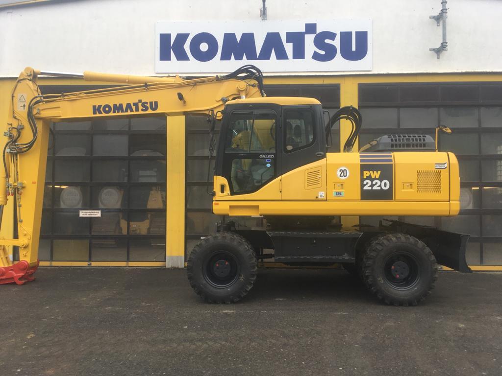 KOMATSU PW 220-7H - 01