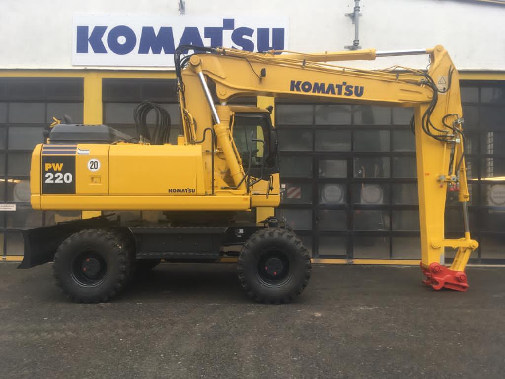 KOMATSU PW 220-7H - 04