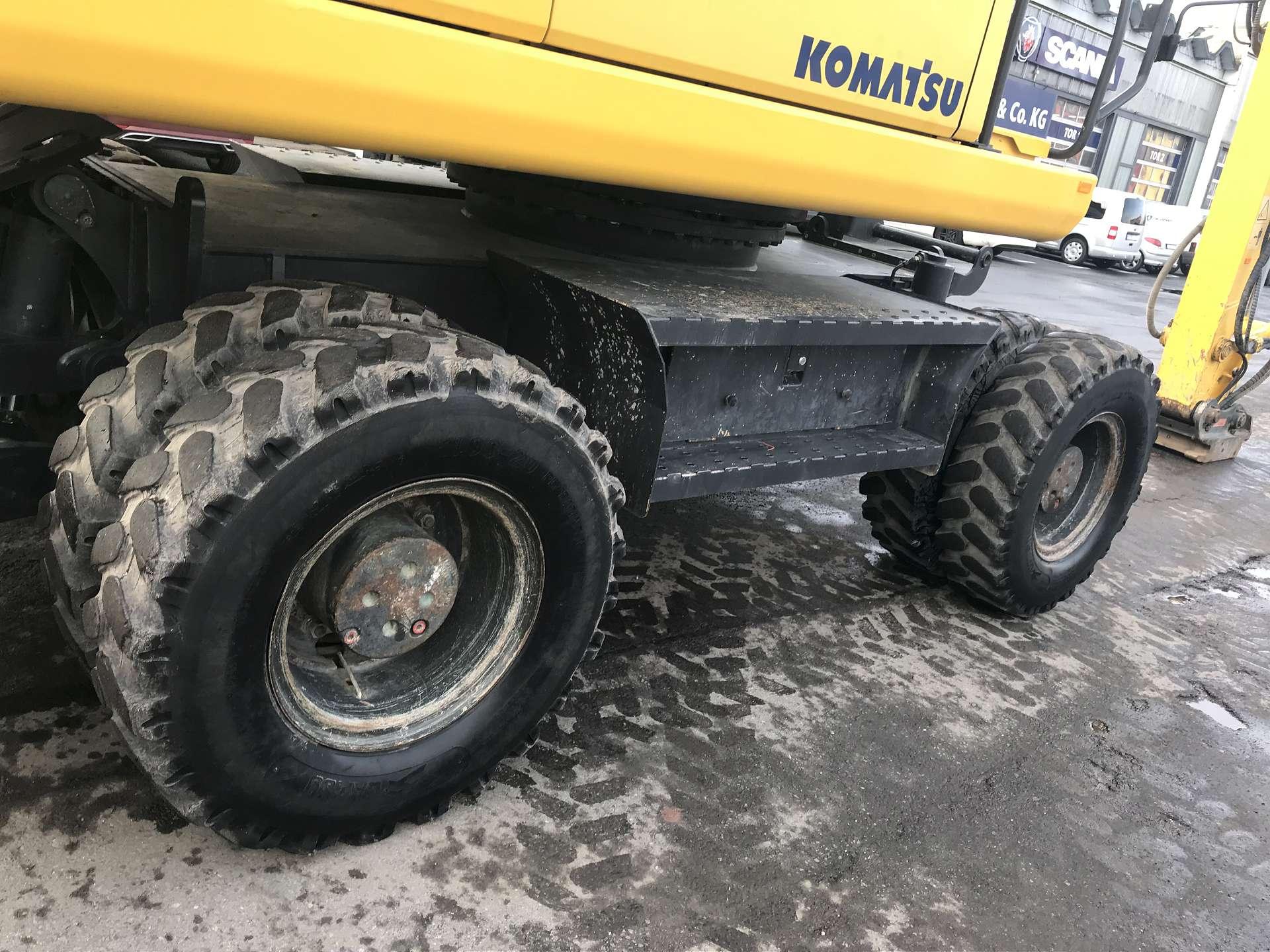KOMATSU PW 200-7E0H - 06